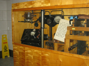 This is the X-ray machine, or a replica, of the one Muller used for his experiments.